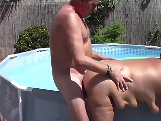 Chubby Mature sucks and fucks poolboy and gets huge creampie