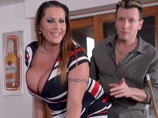 Voluptuous woman with massive milk jugs is n the mood for a hardcore fuck and an orgasm
