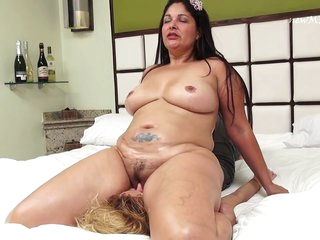 Under Brigida's ass facesitting
