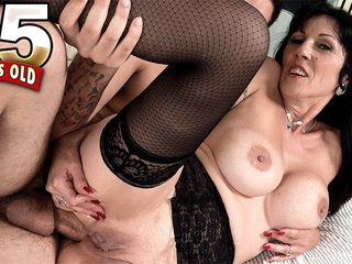 Real divorcee of Orange County gets ass-fucked - Moreen Helm and James Kickstand - 50PlusMILFs
