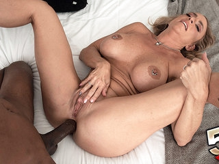 Check out how Kenzi gets her ass fucked in this scene - Kenzi Foxx and Jonathan Morgan - 50PlusMILFs