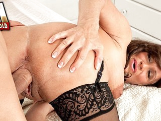 For Starters, How About A Creampie? - Trinity Powers and Juan Largo - 50PlusMILFs