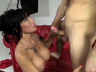 LAS FOLLADORAS - Hardcore MMF with MILF pornstar and amateur