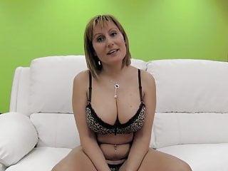 PUTA LOCURA Big tits amateur milf gets gangbanged